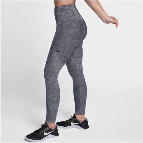 746c7f990812e NWT Nike sculpt lux tight fit leggings 150